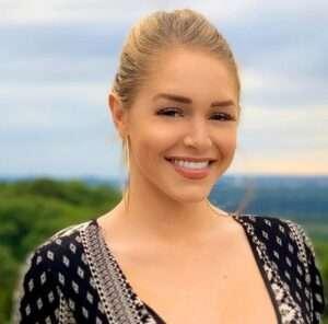 Courtney Tailor Model